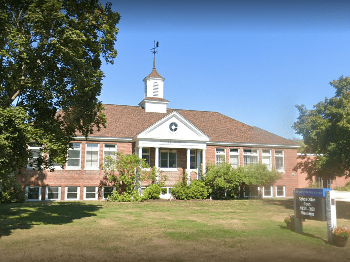 Henry W Moore School (candia)